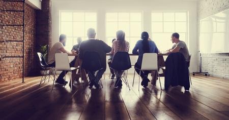 회의 테이블 네트워킹 공유 개념