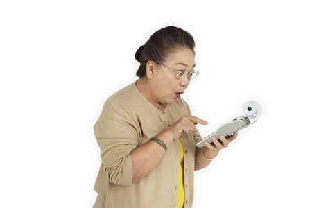 大人の女性の上級保持計算機概念