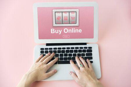 Aggiungi al carrello Shopping Online Order Store Compra Concetto Archivio Fotografico - 69618107