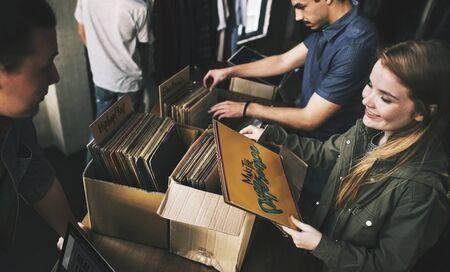 비닐 레코드 스토어 음악 쇼핑 Oldschool 클래식 개념