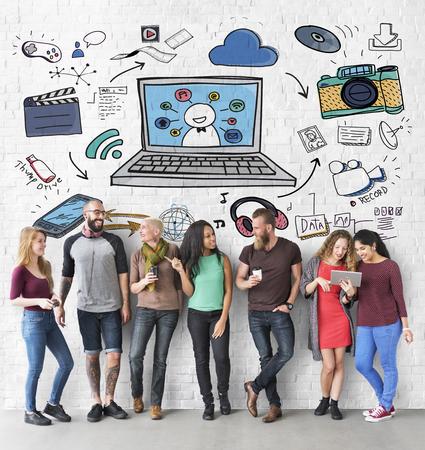 socialise: Social Media Internet Technology Concept
