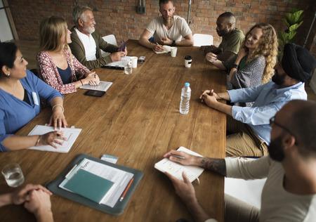 Reunión de la mesa de una red Concepto Sharing Foto de archivo