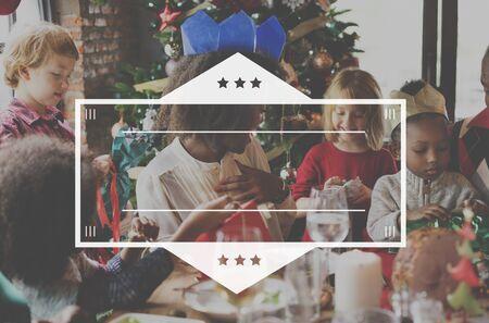 ifestyle: Cheerful Dinner Family Icon Border