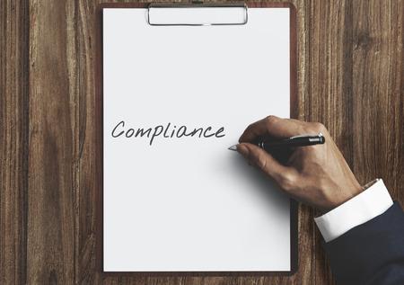 obediencia: Compliance Policy Procedure Conformity Obedience Concept