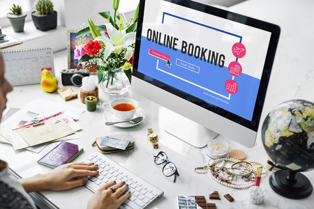 Online holiday reservation booking interface 版權商用圖片