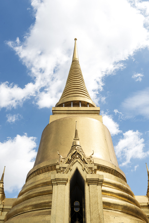 Thai Style Buddhist Architecture Concept Imagens