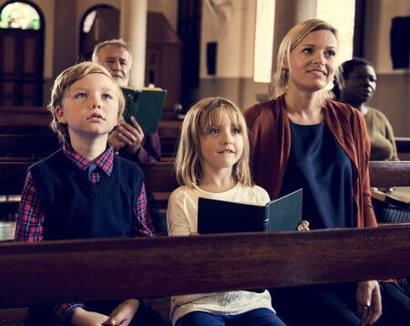 Church People Believe Faith Religious Imagens - 72640254