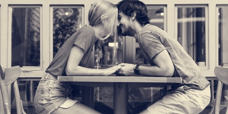 Couple sweet date coffee shop Imagens - 73358298