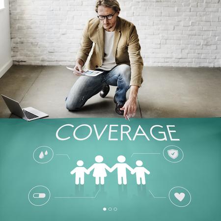 Versicherungsschutz Mix Erstattung Schutzkonzept Standard-Bild - 73437930