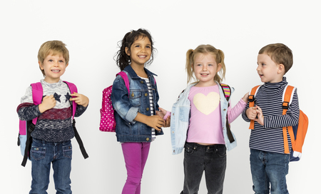 niños riendose: Diversity Of Kids Having Fun Smiling