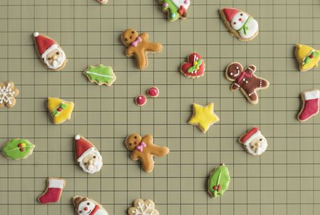 Gingerbread Christmas Decorated Cookies Archivio Fotografico - 75097909