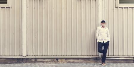 年配の大人男性ポーズ屋外 写真素材