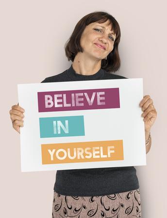 自分に自信を持って想像意欲を信じてください。 写真素材