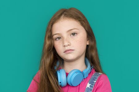 nuda: Lonely Little Girl Sad Boredom Depress Expression Music Headphones