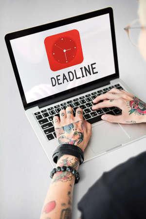 roster: Deadline red analog alarm clock icon