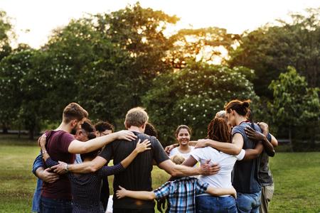 Gruppe von Vielfalt Menschen Teamarbeit zusammen Standard-Bild - 76141448