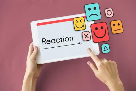 顧客評価フィードバックの笑顔の顔文字