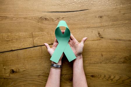 손에 그린 리본 장기 기증 표시 스톡 콘텐츠