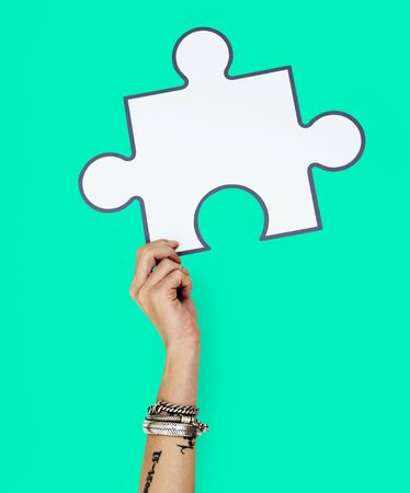 Hand Up Holding Jigsaw Illustration Stok Fotoğraf - 76404210