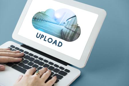 업로드 데이터 백업 연결 클라우드 스톡 콘텐츠