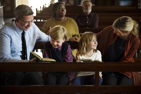 Church People Believe Faith Religious Imagens - 76472564