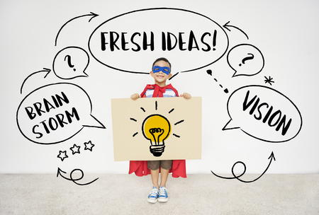 新鮮なアイデア創造的な革新の電球