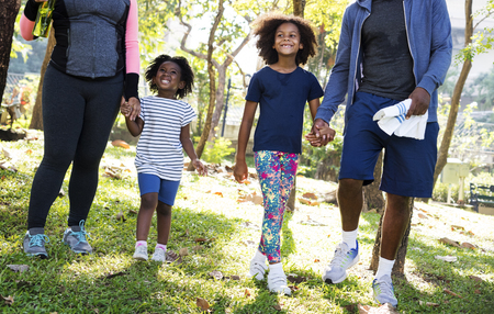 Oefening Activiteit Familie die in openlucht Vitaliteit Gezonde