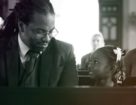 Father Daughter Sitting Church Believe Religion Imagens - 76953148