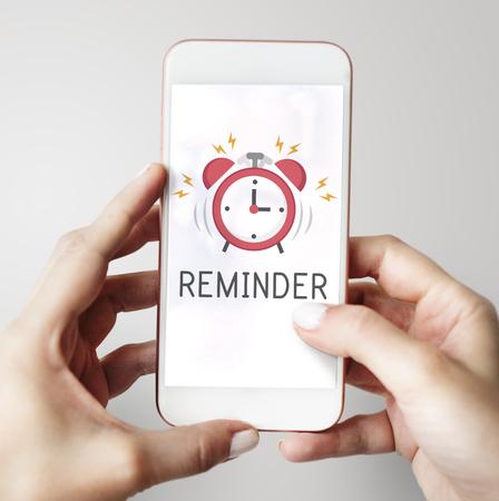 Notificación de alarma de teléfono móvil para una cita importante Foto de archivo - 77329044