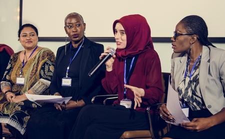 다양성 사람들은 국제 컨퍼런스 파트너십을 대표합니다