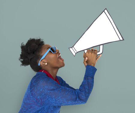 アフリカ系女性保持 Megephone