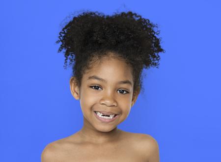 Petite fille, Sourire, Bonheur, Bare, poitrine, Topless, Studio, Portrait Banque d'images - 78139391