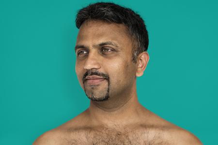 Indiase Man Glimlachend Geluk Blote Borst Portret