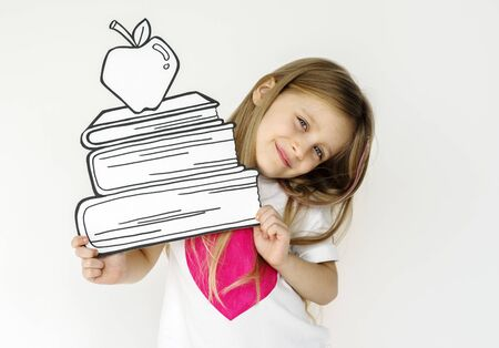 Kid portrait holding paper icon 版權商用圖片 - 78394551
