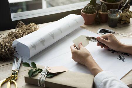 decorating: Handmade Decorating Equipment Design