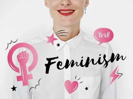 フェミニズム平等自信女性右