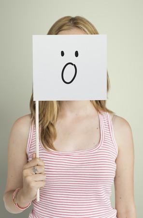 Dibujo Expresiones faciales Emociones Sentimientos Foto de archivo - 78471645