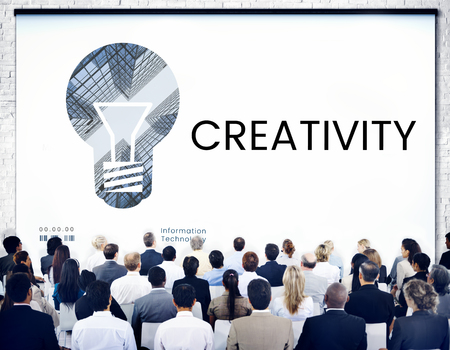 People with graphic of creative ideas digital technology light bulb Stockfoto
