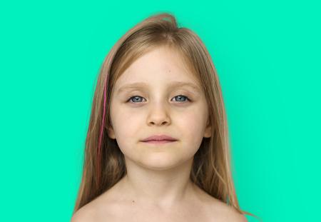 어린 소녀 벌거 벗은 가슴 토플리스 스튜디오 초상화 스톡 콘텐츠