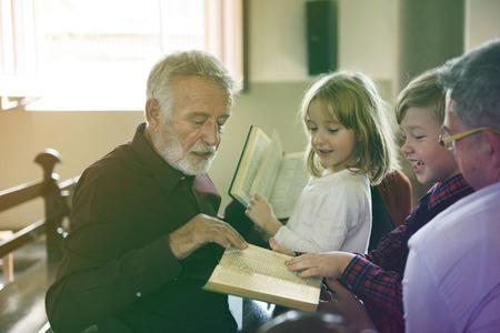 Adult Man Priest Father Show Bible Kids Church Фото со стока - 78685473
