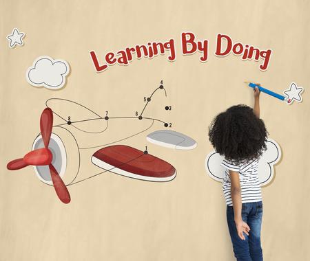 Kinderen plezier verbinden de dots vliegtuig grafisch Stockfoto