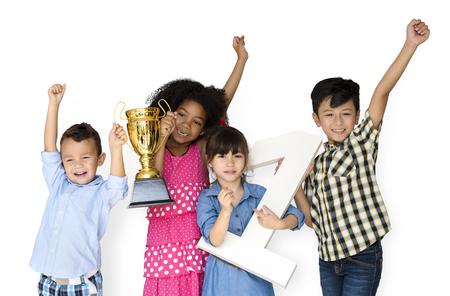 子供賞コンクール受賞者のグループ 写真素材