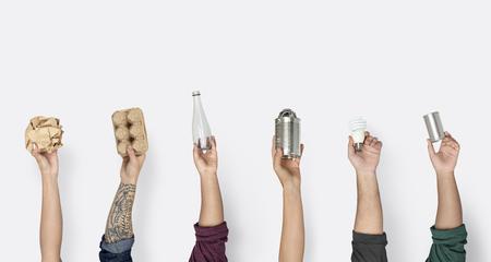 Handgreep Toon recyclebaar plastic papier Kan Stockfoto