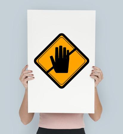 注意のサインに手を触れないでくださいとスタジオ撮影開催バナー 写真素材