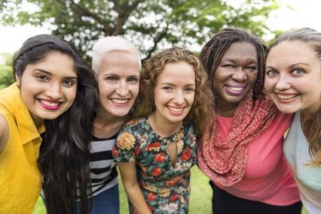 女性のグループ交流チームワーク幸福概念 写真素材