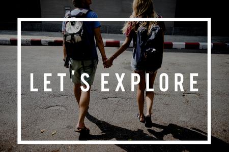 お友達と旅行見積もりグラフィックとバックパッカーの旅 写真素材