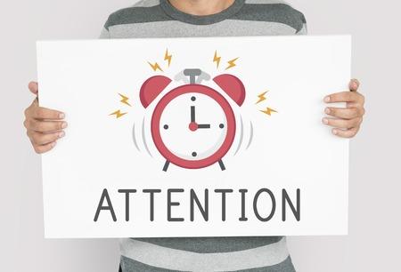 Man met banner van wekker icoon kennisgeving illustratie