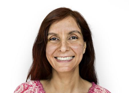 インドの女性の肖像画のスタジオ撮影