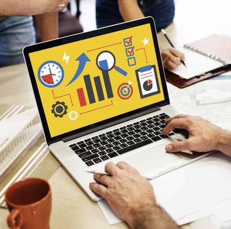 ビジネス企業の進行状況グラフ レポート 写真素材
