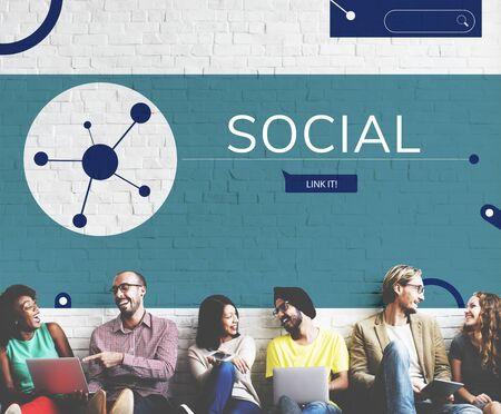 Les gens connectées avec illustration de la communication de médias sociaux Banque d'images - 79762817